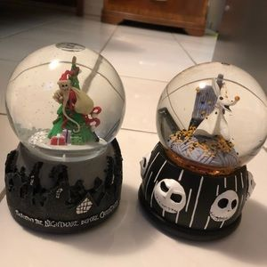 2 musical Nightmare before Christmas snow globes